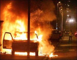 110505_france_rioting4