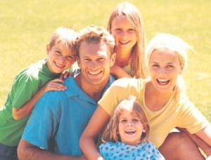 assurance_happy_family_sunshine