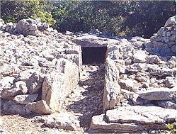 Viols-le-Fort_dolmen