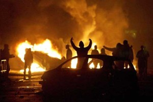 Youth-riot-in-France
