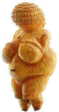 200px-Venus_von_Willendorf_01